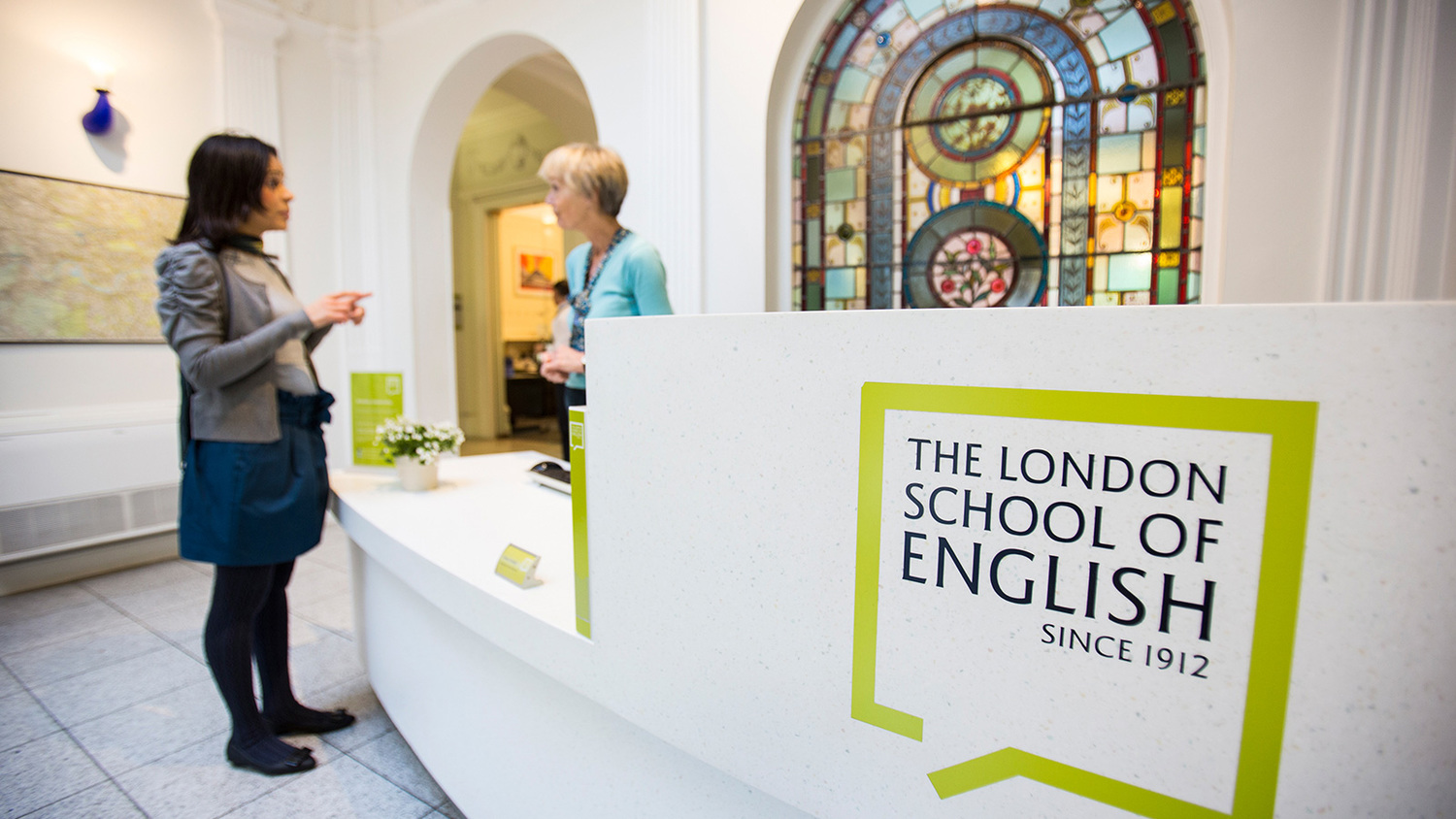 "<span style=""font-weight: bold;"">LONDON SCHOOL OF ENGLISH</span><br>"